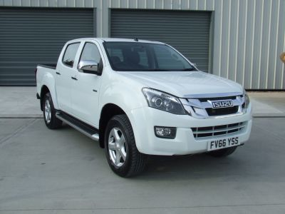Isuzu D-max 2.5TD Yukon Double Cab 4x4 Pick Up Diesel Splash White at Duckworth Isuzu Boston